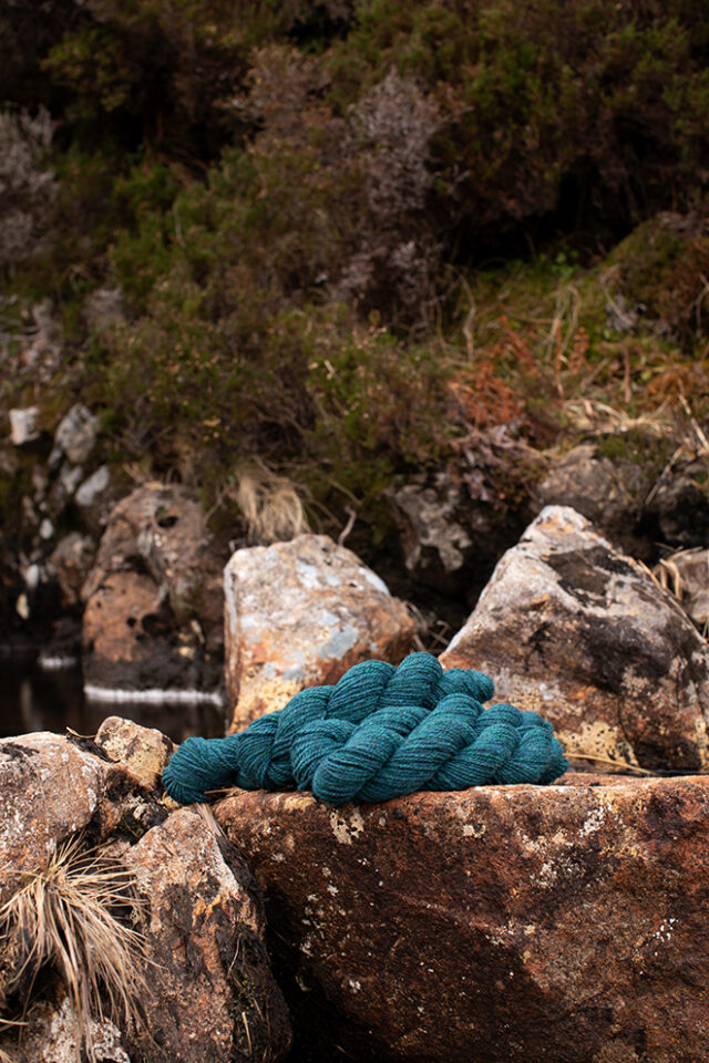Alice Starmore 2 Ply Hebridean hand knitting yarn in Lapwing