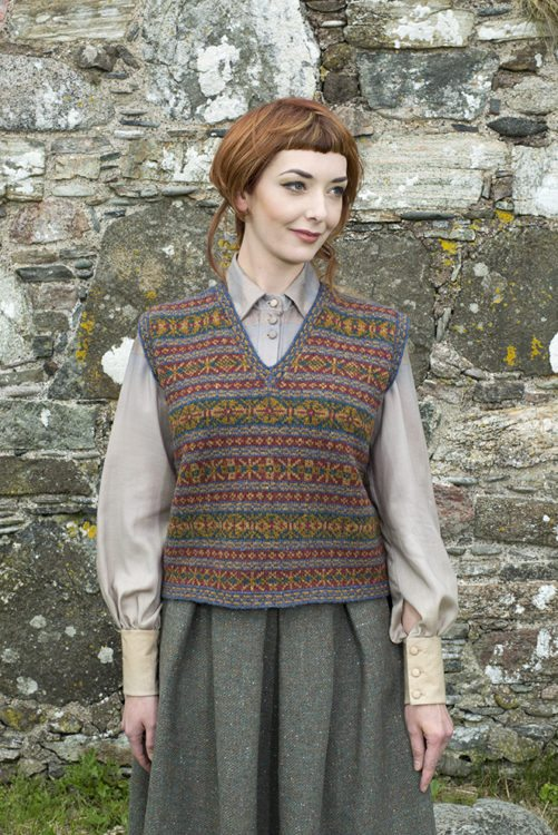 Roscalie design patterncard kit in Hebridean 2 Ply pure British wool hand knitting yarn by Alice Starmore