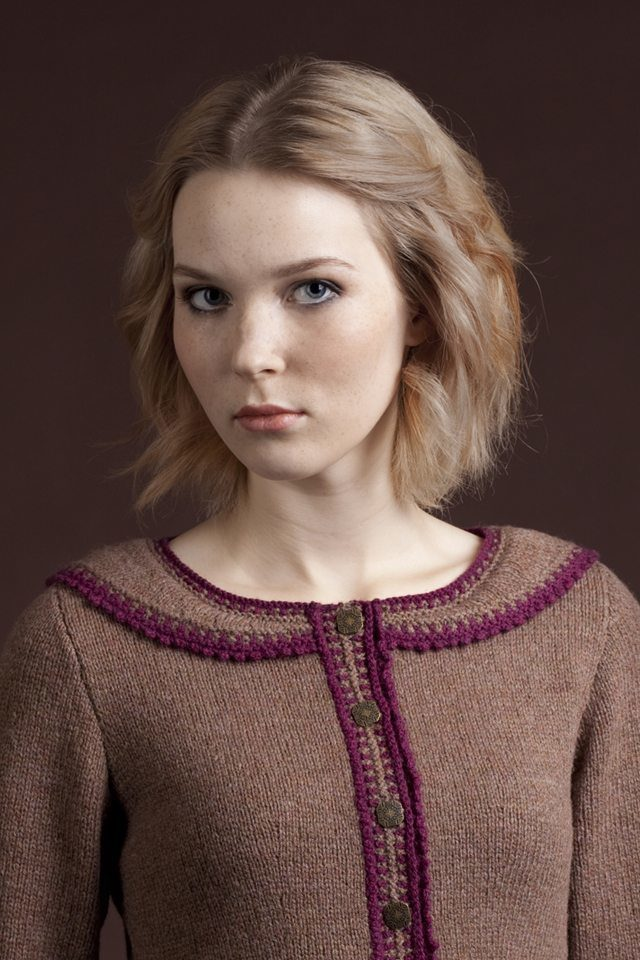 Elizabeth Woodville hand knitwear design by Alice Starmore from the book Tudor Roses