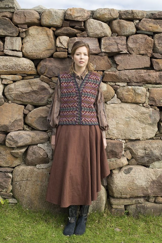 Flora patterncard kit by Alice Starmore in Mountain colourway Hebridean 2 Ply pure British wool hand knitting yarn