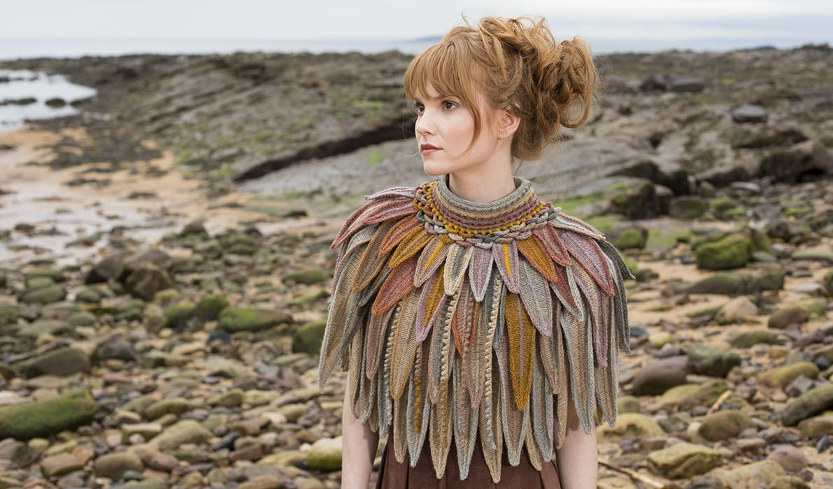 Bronze Raven Hybrid Collar hand knitting design from Glamourie by Alice Starmore