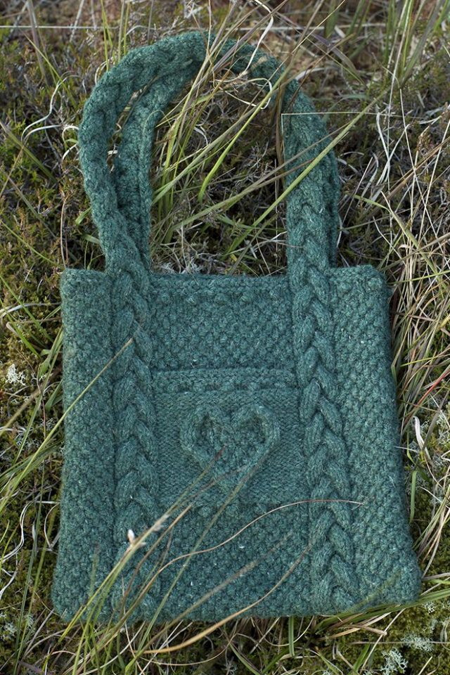 Heart Bag patterncard kit by Alice Starmore in Bogbean Hebridean 3 Ply pure British wool hand knitting yarn