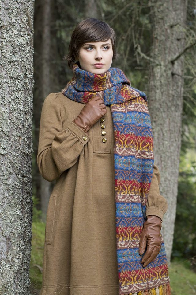 Leo Scarf patterncard kit by Jade Starmore in Hebridean 2 Ply pure British wool hand knitting yarn