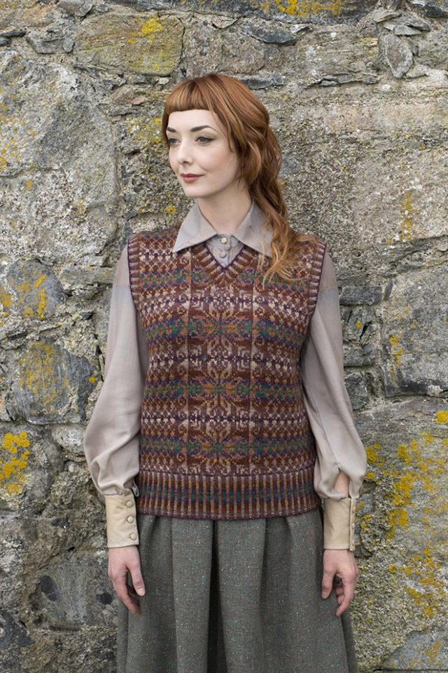 Thoroughbred patterncard kit by Alice Starmore in Hebridean 2 Ply pure British wool hand knitting yarn