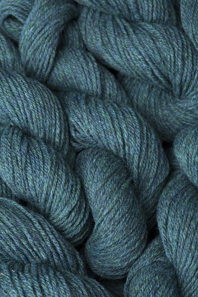 Alice Starmore Hebridean 3 Ply pure new British wool hand knitting Yarn in Lapwing colour