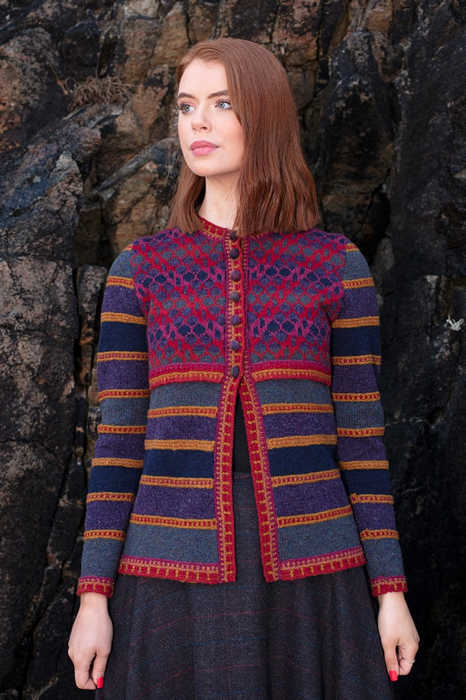 Damselfly hand knitwear design from the book Glamourie by Alice Starmore
