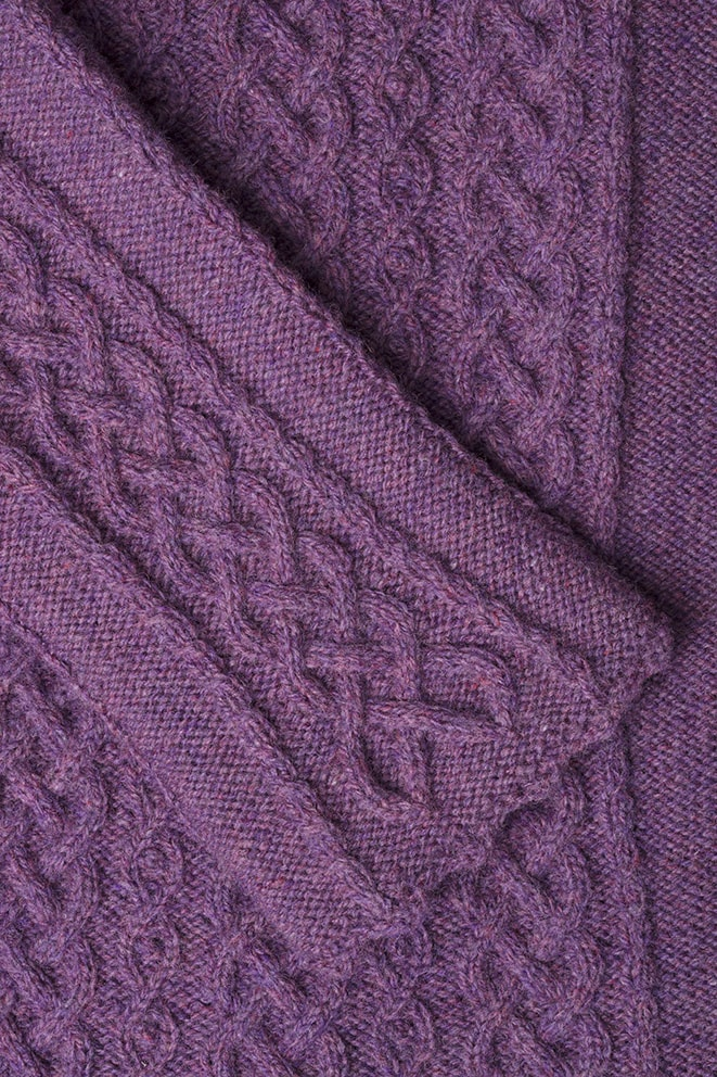 Detail of the Eala Bhan knitwear design from Aran Knitting by Alice Starmore in pure wool Hebridean 2 Ply hand knitting yarn