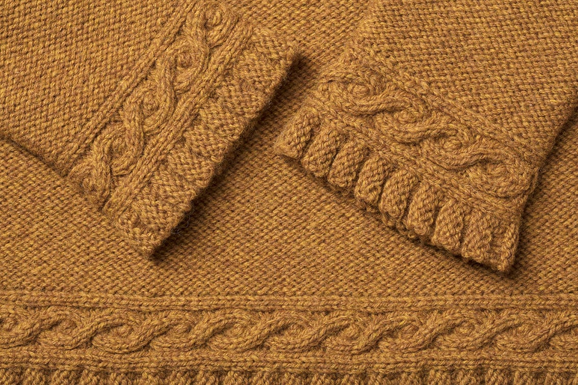 Detail of the Eightsome Reel knitwear design patterncard kit by Alice Starmore in pure wool Hebridean 3 Ply hand knitting yarn