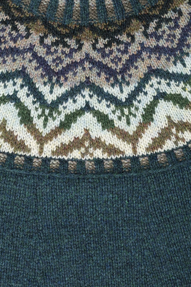 Detail of the Merveille Du Jour knitwear design patterncard kit by Alice Starmore in pure wool Hebridean 2 Ply hand knitting yarn