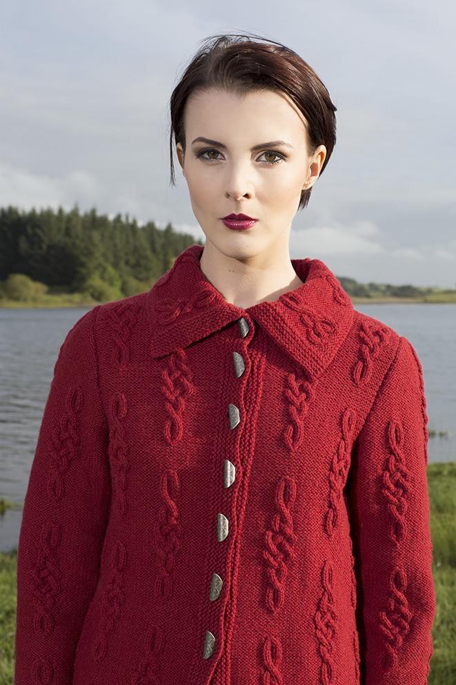 Graceknot patterncard knitwear design by Alice Starmore in pure wool Hebridean 3 Ply hand knitting yarn