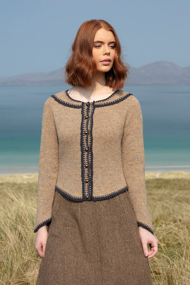 Elizabeth Woodville hand knitwear design from the book Tudor Roses by Alice Starmore