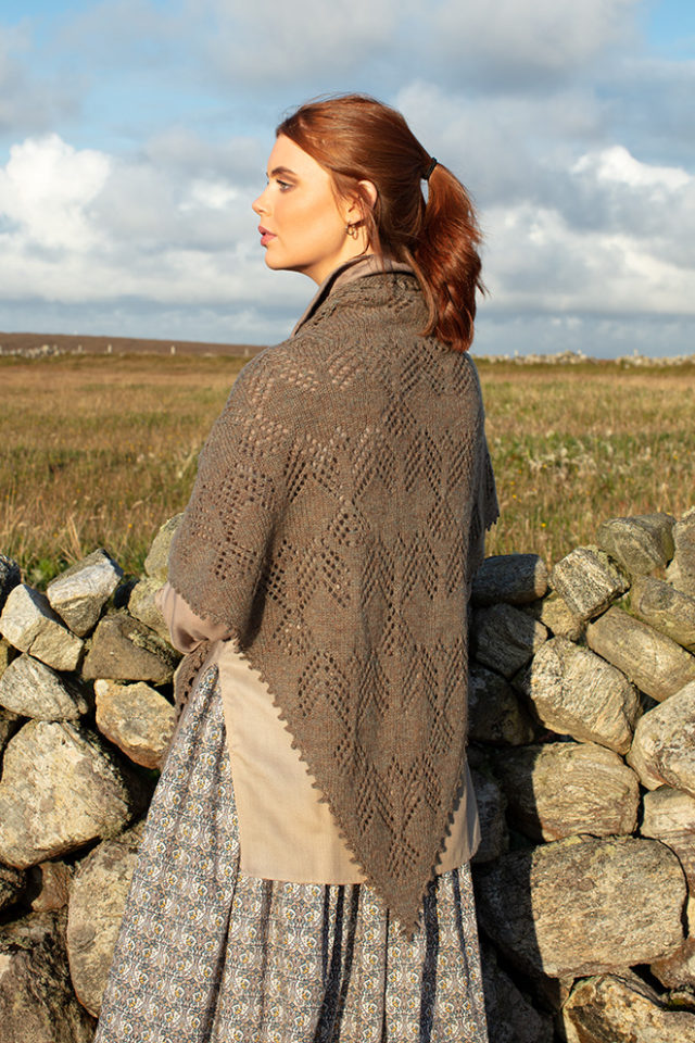 Sulaire Shawl patterncard kit design by Alice Starmore in Hiort yarn